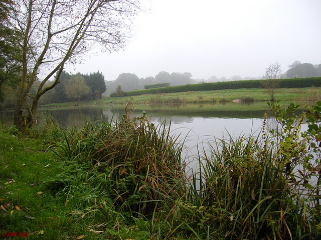 Smith's Lake, Bishop's Green